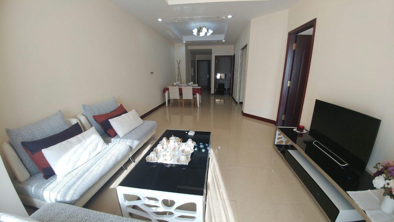 Beautiful 2 Bedroom Apartment For Rent At R4 Royal City