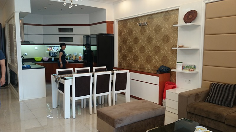 Modern 2 bedroom apartment with fully furnished for lease in ...