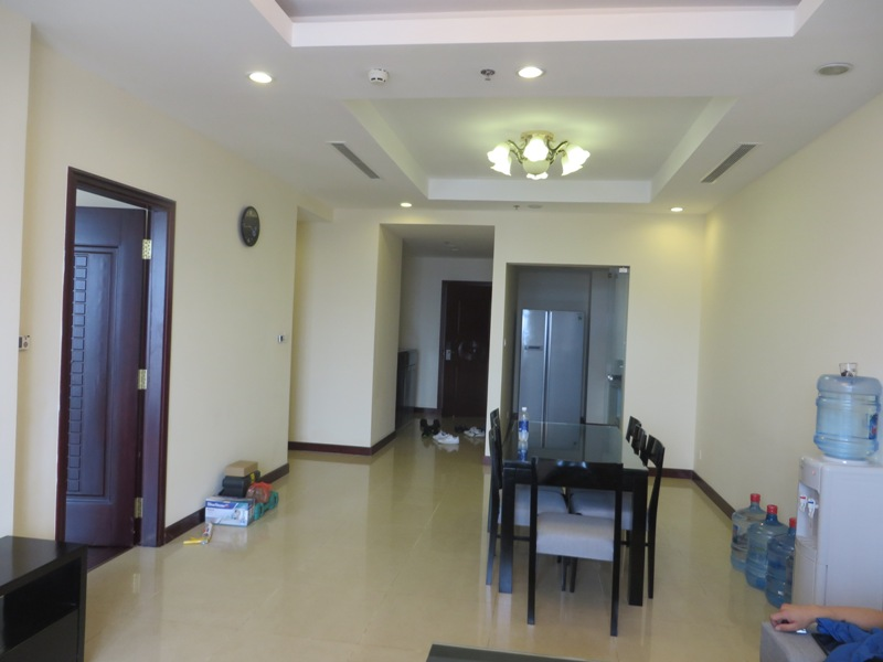 2 bed / 2 bath  apartment to rent in R2 building, Royal City, fully-furnished, good owner