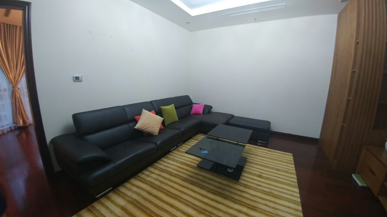 3-Bedroom apartment at R1, Royal City for lease