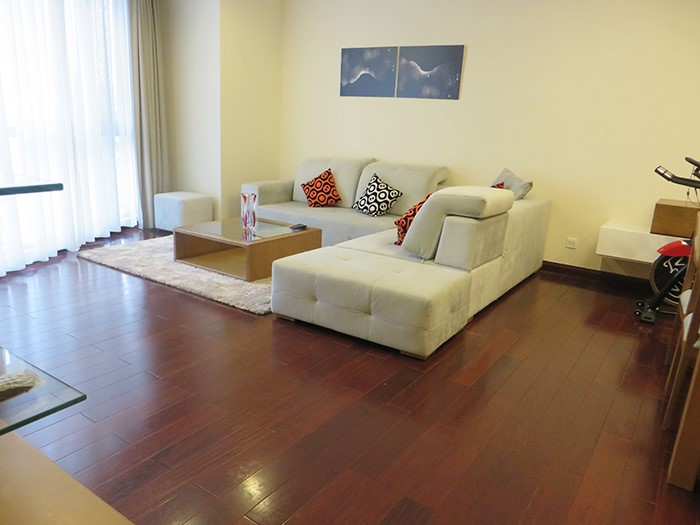 $900 / 2br - 110sq meters apartment for rent in Royal City, Hanoi