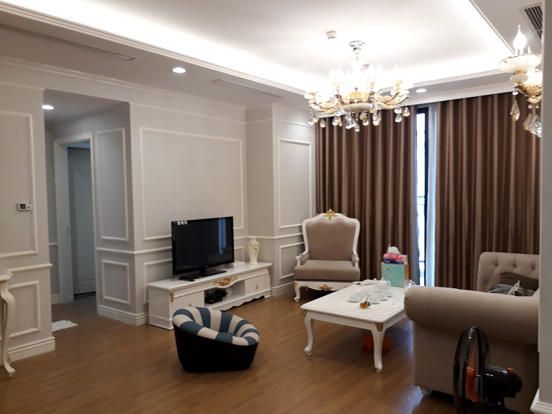 A good price 2 bedrooms apartment for rent in Royal City!