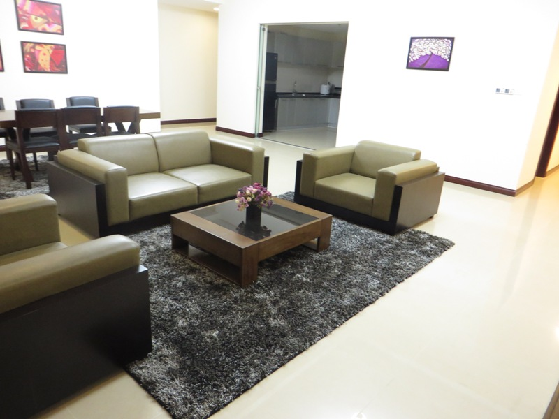 Beautiful 3 Bedroom Apartment For Rent In R1 Royal City, Full Furnishings