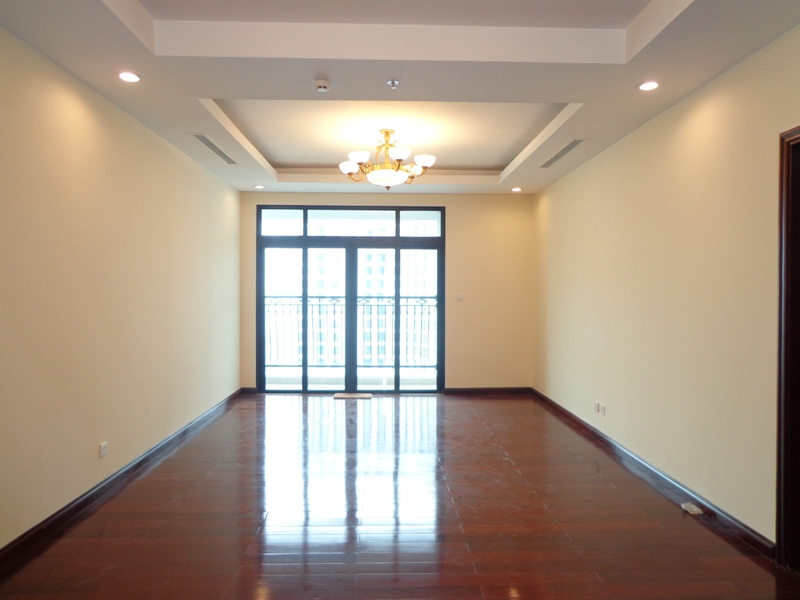 High floor rental apartment in Royal City complex, Thanh Xuan district, Hanoi