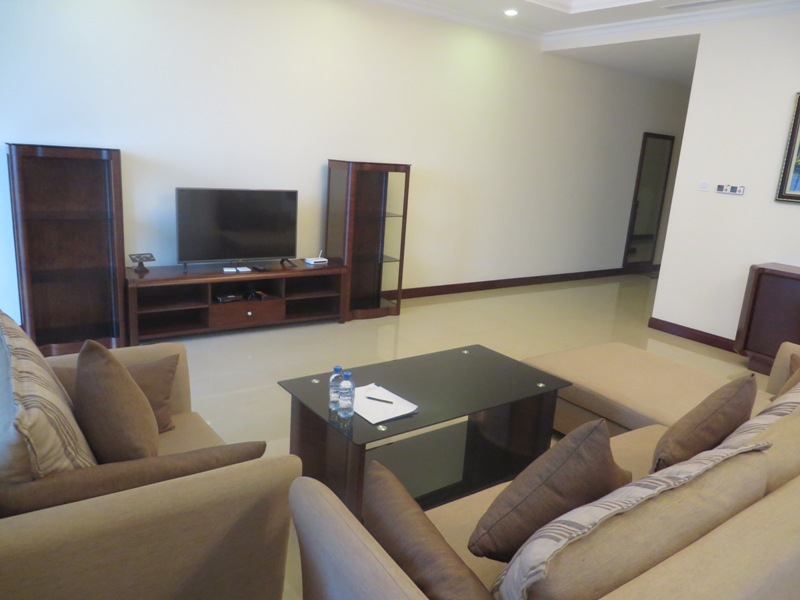 $3500 - 3 bed / 3 bath serviced apartment to rent in R2 building, Royal City, fully-furnished