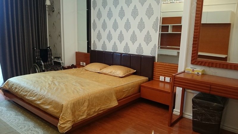 Modern 2 bedroom apartment with fully furnished for lease in Vinhomes Royal City