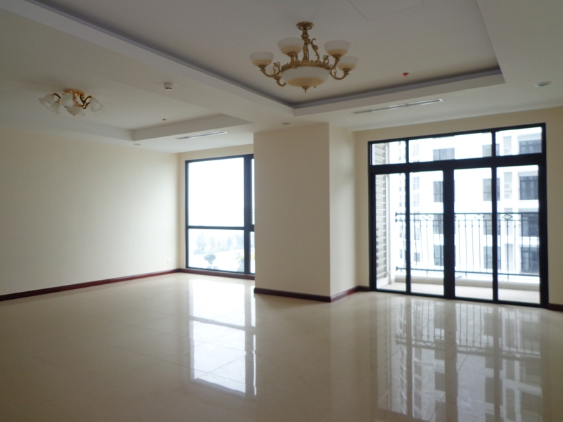 Unfurnished apartment with 3 bedrooms for lease in Royal City